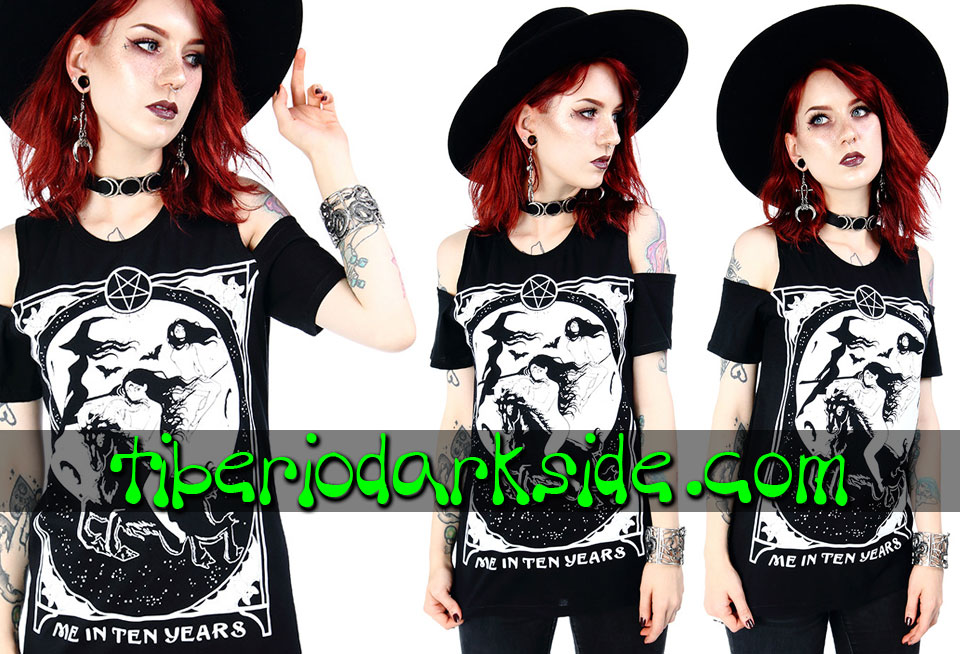 NU GOTH - Camisetas RESTYLE Camiseta Hombros Me In Ten Years